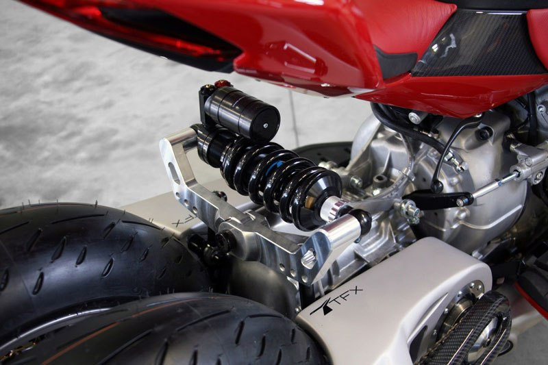 motorcycle-powered-by-maserati-engine-lazareth-lm-847-11ca26