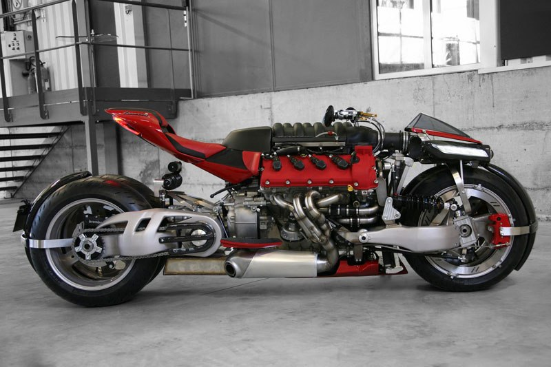 motorcycle-powered-by-maserati-engine-lazareth-lm-847-12ca26