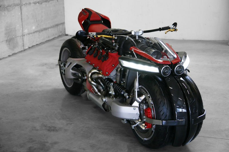 motorcycle-powered-by-maserati-engine-lazareth-lm-847-6ca26